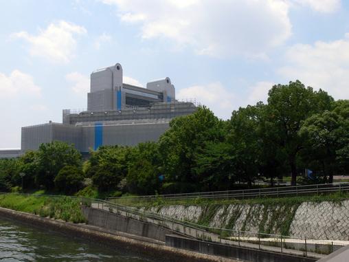 名古屋国際会議場を望む